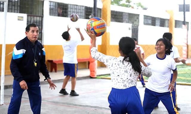 Minedu habilita más de 9,000 plazas para docentes de educación física