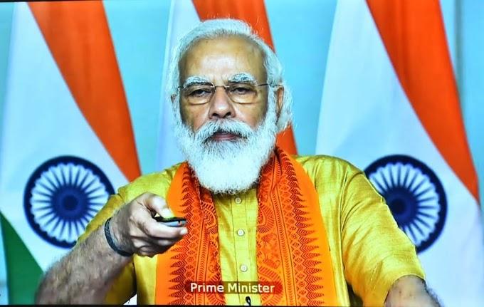 प्रधानमंत्री नरेंद्र मोदी ने की सीएम रावत की जमकर तारीफ