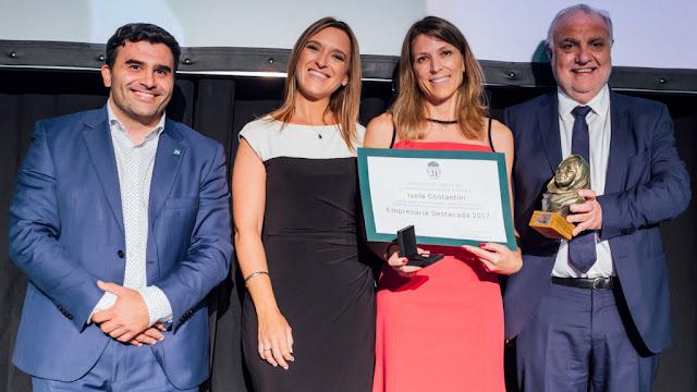 """Universidad Siglo 21 distinguió a Isela Costantini con el premio """"Empresaria Destacada"""""""