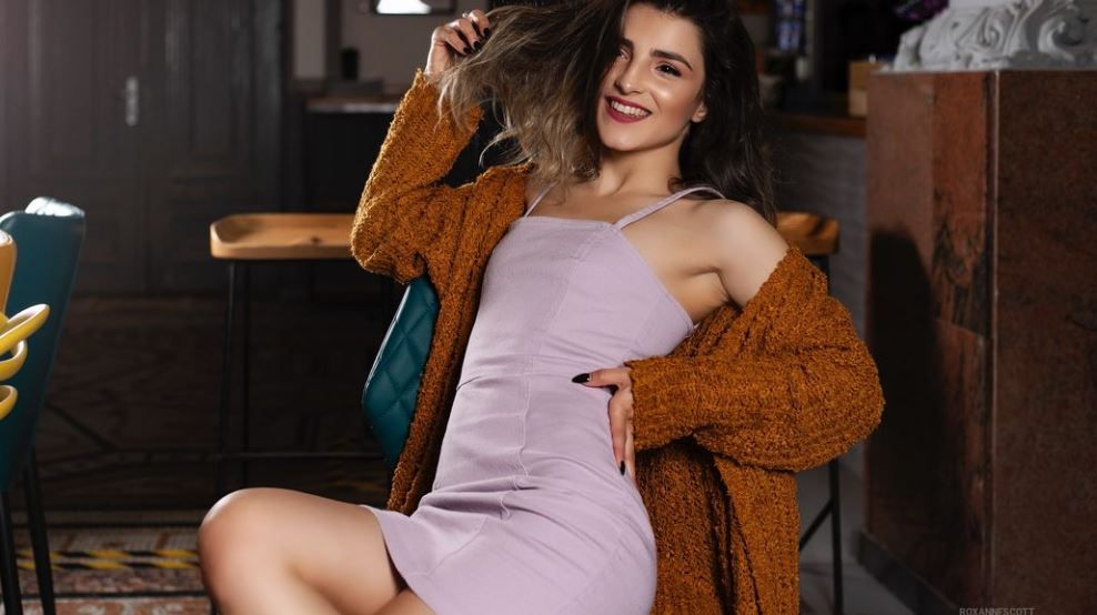 RoxanneScott Model GlamourCams