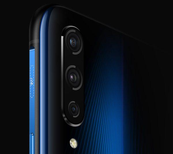 iQOO'nun Olağandışı Telefon Modeli Ön Siparişte!