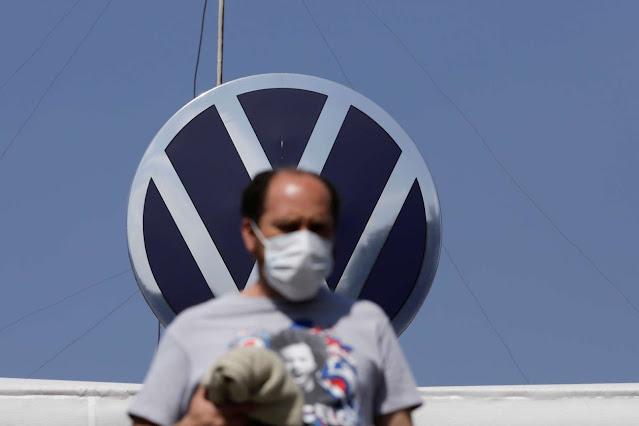 Hasta 100 empleados de Volkswagen México dan positivo a COVID-19