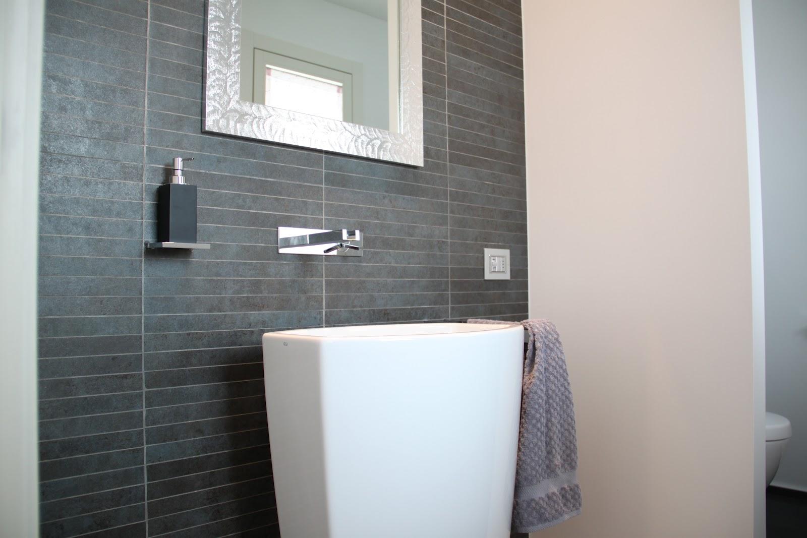 Bagno piccolo da ristrutturare bagno piccolo arredo componibile e
