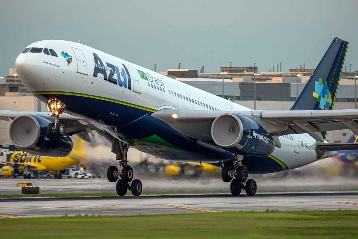 Prefeitura de Santarém pede à Justiça suspensão de voos da Azul oriundos de Manaus