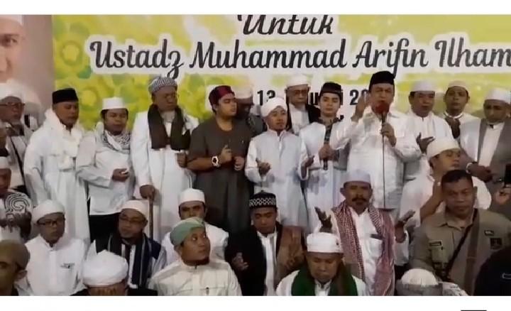 Masya Allah... Ini Julukan dari UBN untuk KH M Arifin Ilham