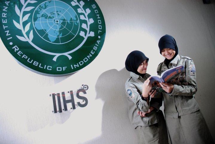 IIHS Jakarta SMA Islamic Boarding School