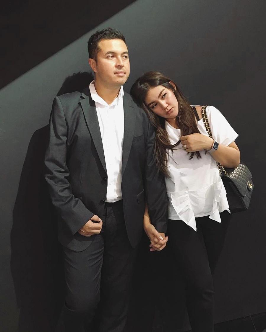 pasangan seksi Sissy Priscillia dan Rifat Sungkar