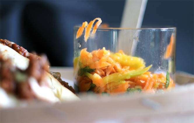 """""""New York, die Kultrezepte"""" - eine Rezension mit Sloppy Joe und Mango-Karotten-Salat zum Sattessen / Mo'Beads / Monika Thiede"""