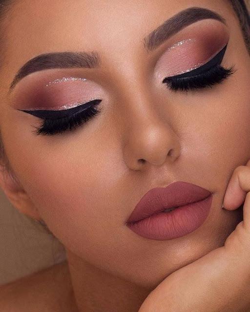 Cómo Elegir El Maquillaje Perfecto Para Un Vestido Rojo El