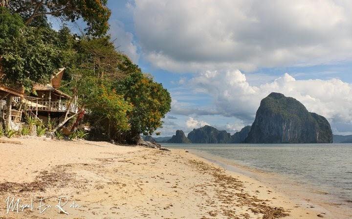 Cabañas-Beach-El-Nido-Filipinas