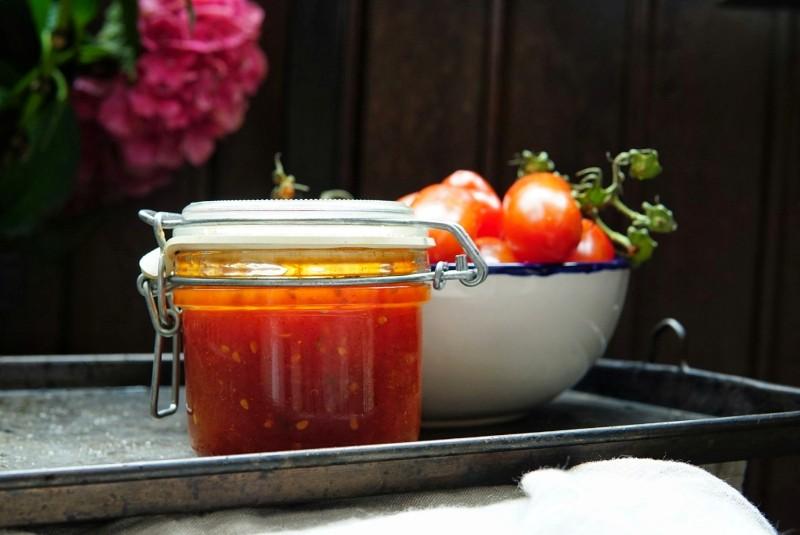 Makea tomaattivaniljahillo