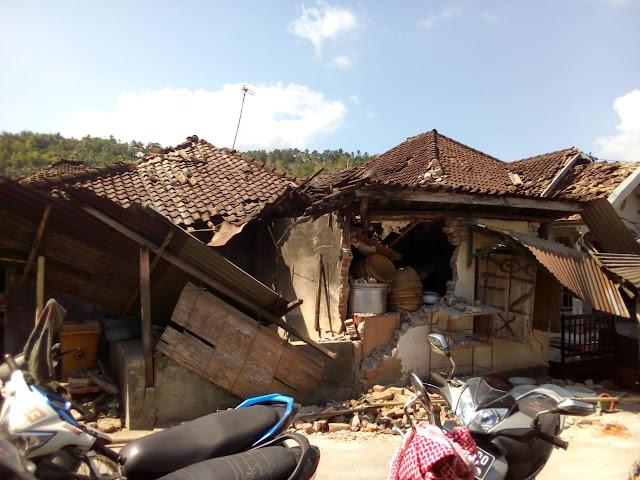 Pemerintah Pusat Didesak Segera Tetapkan Status Bencana Nasional untuk Lombok