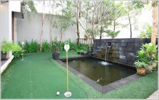 taman rumah minimalis dengan kolam ikan yang bagus