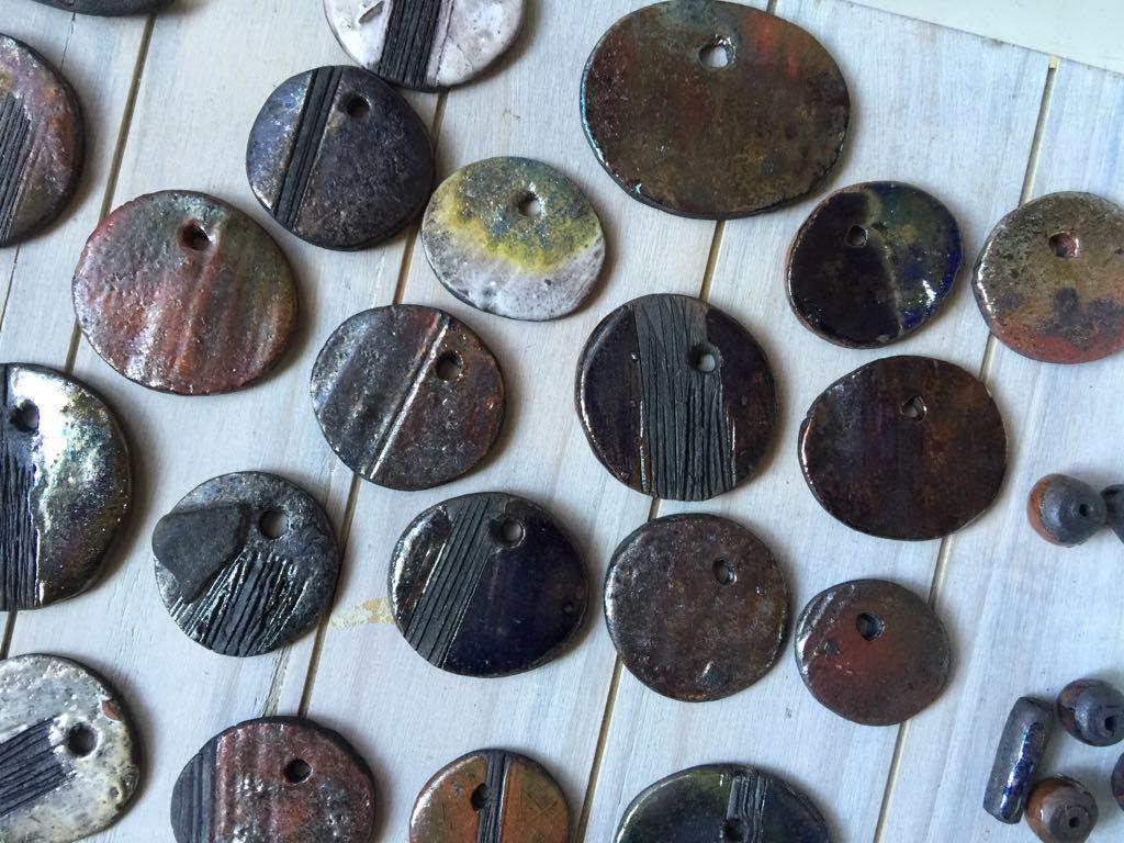 Marina seoane ilustraciones las piezas de cer mica rak for Ceramicas para piezas