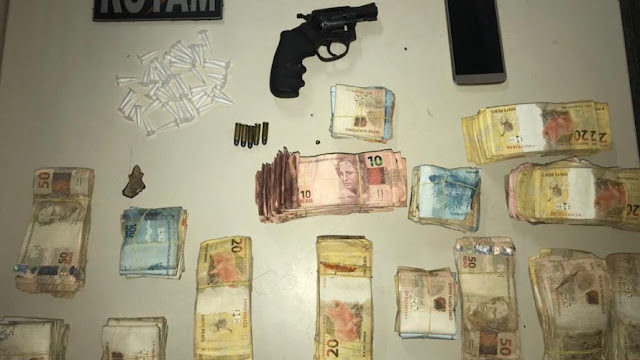 Homem é preso com arma, cocaína e mais de R$ 70 mil em Paulo Afonso