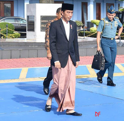 gaya fashion jokowi