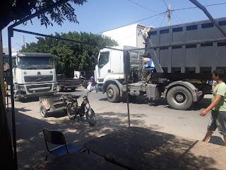 حفوز : الرمال تجتاح منازل متساكني شارع فرحات حشاد بسبب الشاحنات الثقيلة