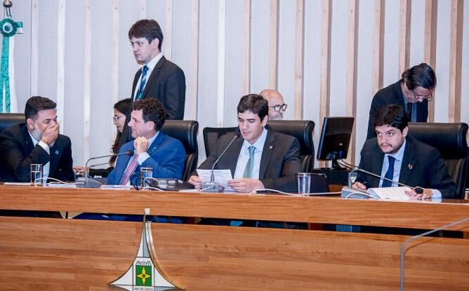 CLDF: Câmara Legislativa economiza nos gastos e devolve 25 milhões de reais aos cofres do GDF.