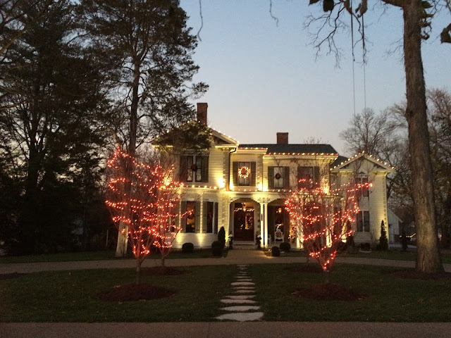 historic Unsell-Cabell house with Christmas decorations