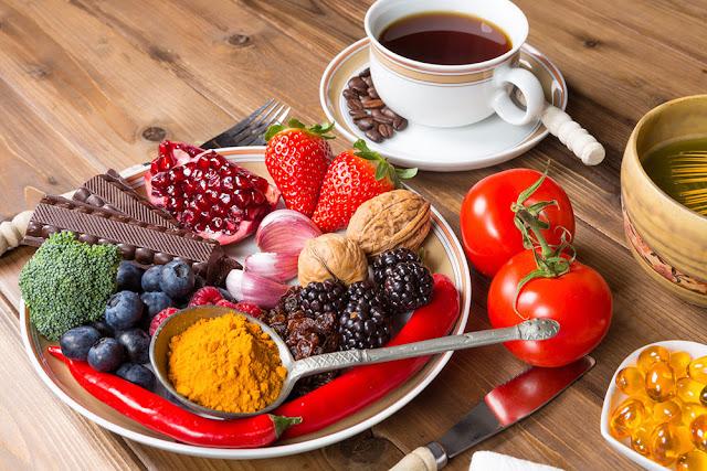 10 alimentos com baixo teor de carboidratos que são ricos em polifenóis e antioxidantes