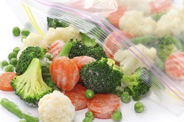 4 أسباب لشراء المزيد من الفواكه والخضروات المجمدة