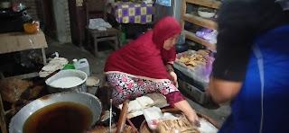 Bu Nana Ibu Rumah Tangga Yang Geluti Usaha Tempe Kripik Rumahan
