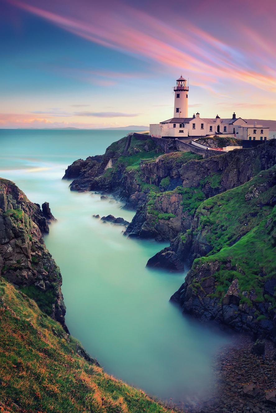 lighthouse at ocean mobile wallpaper