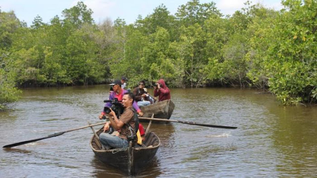 Wisata Sungai Bokor
