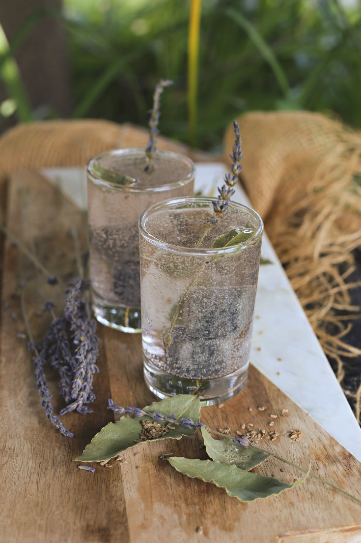 Isola's Lavender, Bay & Anise-Infused Gin and Tonics | #FoodnFlix