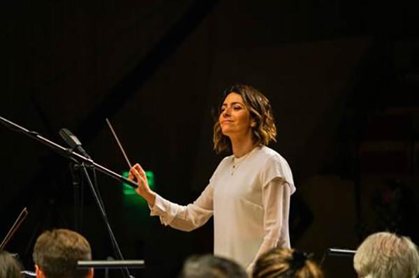 Alondra-de-la-Parra-Orquesta-Filarmónica-Américas-Unfinished-Symphony-Huawei-Ciudad-México