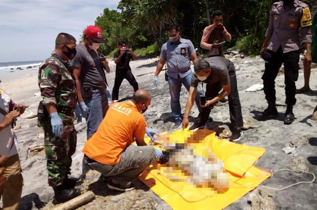 Penemuan mayat di Pantai Lobar, diduga terapung di laut selama 3 minggu