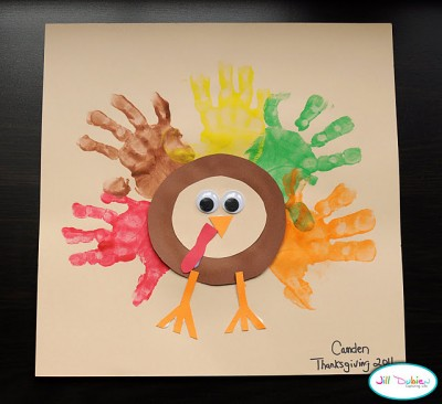 8 Easy Handprint Turkeys for Thanksgiving