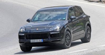 2018 New Porsche Cayenne spy shots