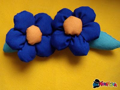 Fiori di stoffa per personalizzare cuscino