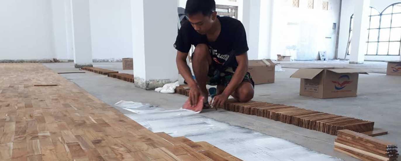 ongkos pasang lantai kayu parket