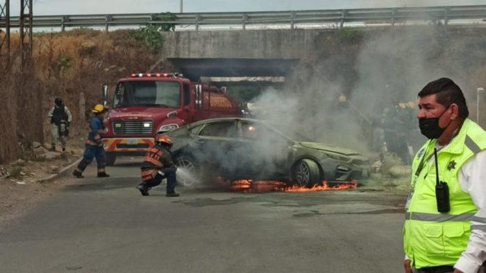 5 Sicarios fueron abatidos en el enfrentamiento de esta tarde a la altura de la comunidad de San José de Manantiales sobre la carretera Celaya-Juventino Rosas