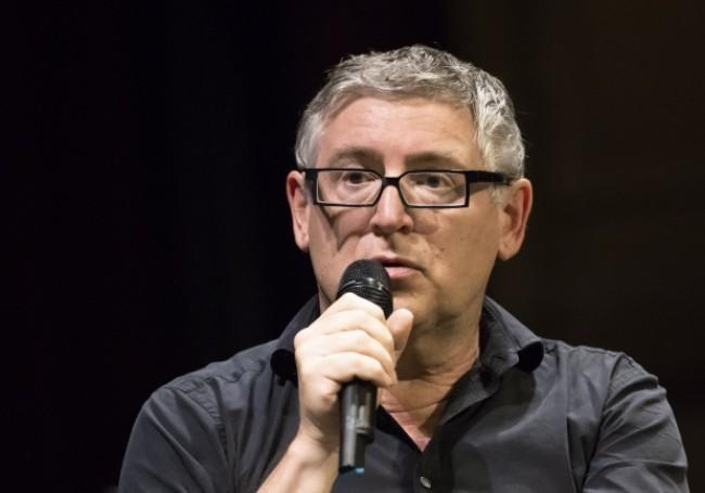 """VIDÉO - """"Je ne suis pas une pleureuse"""" : Michel Onfray défend Valeurs actuelles dans l'affaire Obono"""