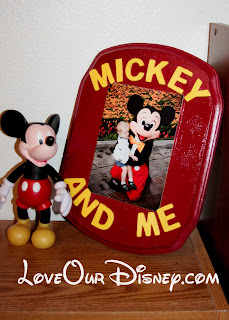 Cute way to display a picture of your child with their favorite character. LoveOurDisney.com