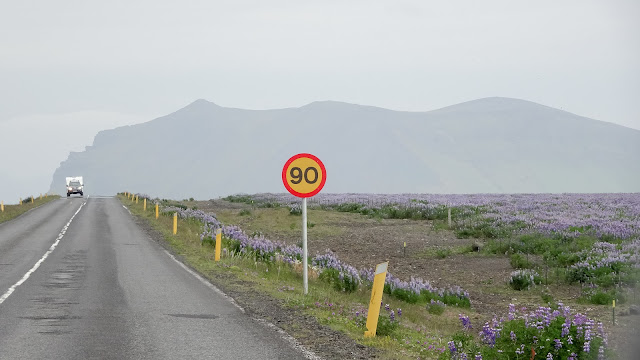 Easy driving in Iceland