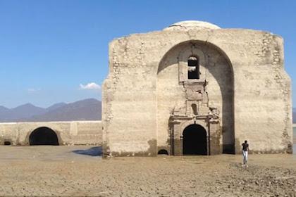 Tempat Ibadah Berumur 400 Tahun Muncul Usai Waduk Kekeringan