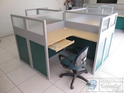 Meja Partisi Kantor Yang Bagus + Furniture Semarang ( Meja Sekat Kantor )