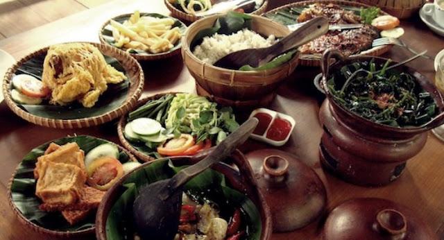 Makanan Khas Dan Enak Di Bandung Ala Backpacker
