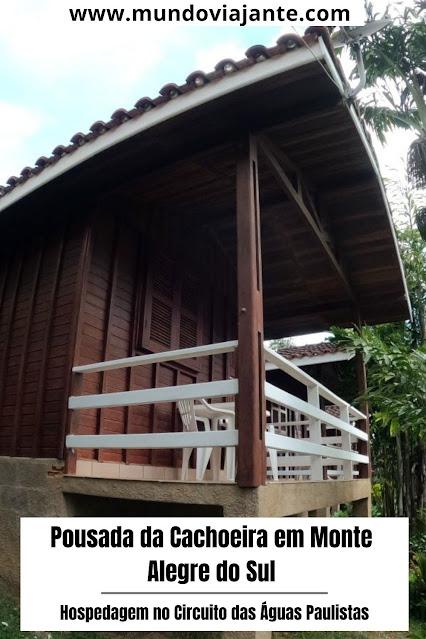 chale de madeira e telhas simples