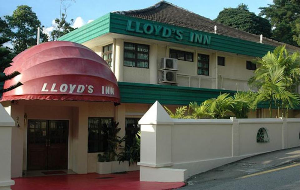 Lloyds Inn Merupakan Pilihan Tempat Menginap Favorit Dikalangan Wisatawan Hotel Ini Didesain Elegan Dengan 34 Kamar Yang Dibuat Hanya Dalam Dua Lantai