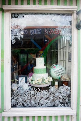 Pinch Sugar & Spice front window view