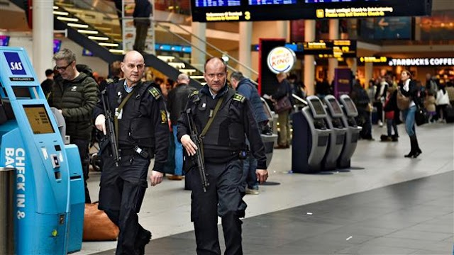 Denmark police confiscate thousands of euros from refugees
