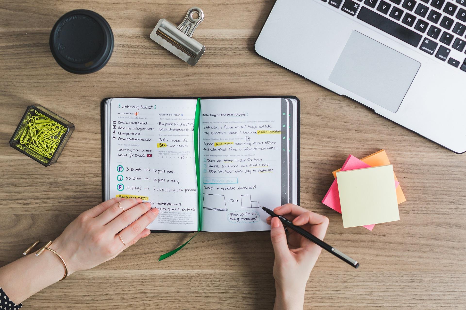 Saiba o que faz uma Assistente Virtual ou Secretária Remota - Uma opção para Trabalhar em Casa - andreia carvas 1