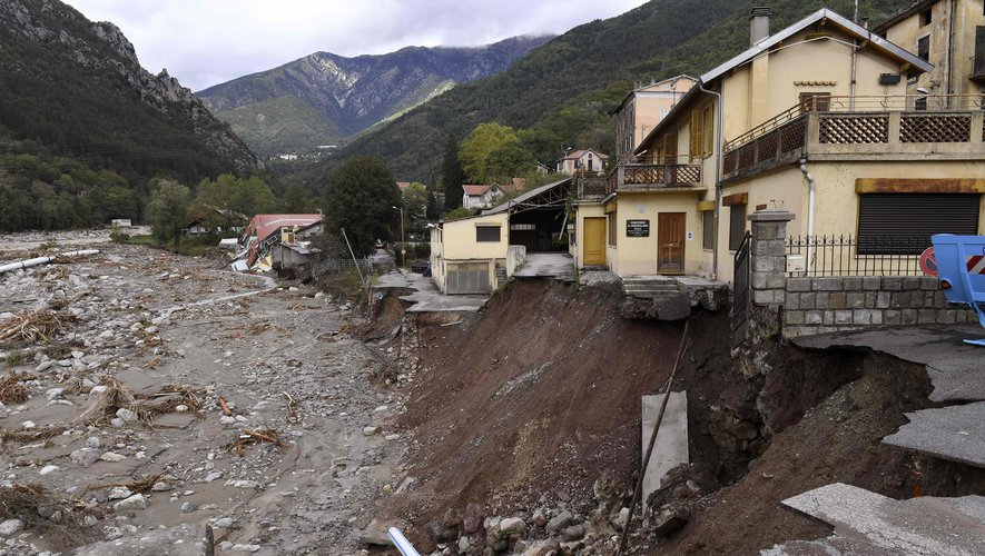 Tempête Alex : Dans les Alpes-Maritimes, Jean Castex fait part de sa « vive inquiétude sur le bilan définitif »
