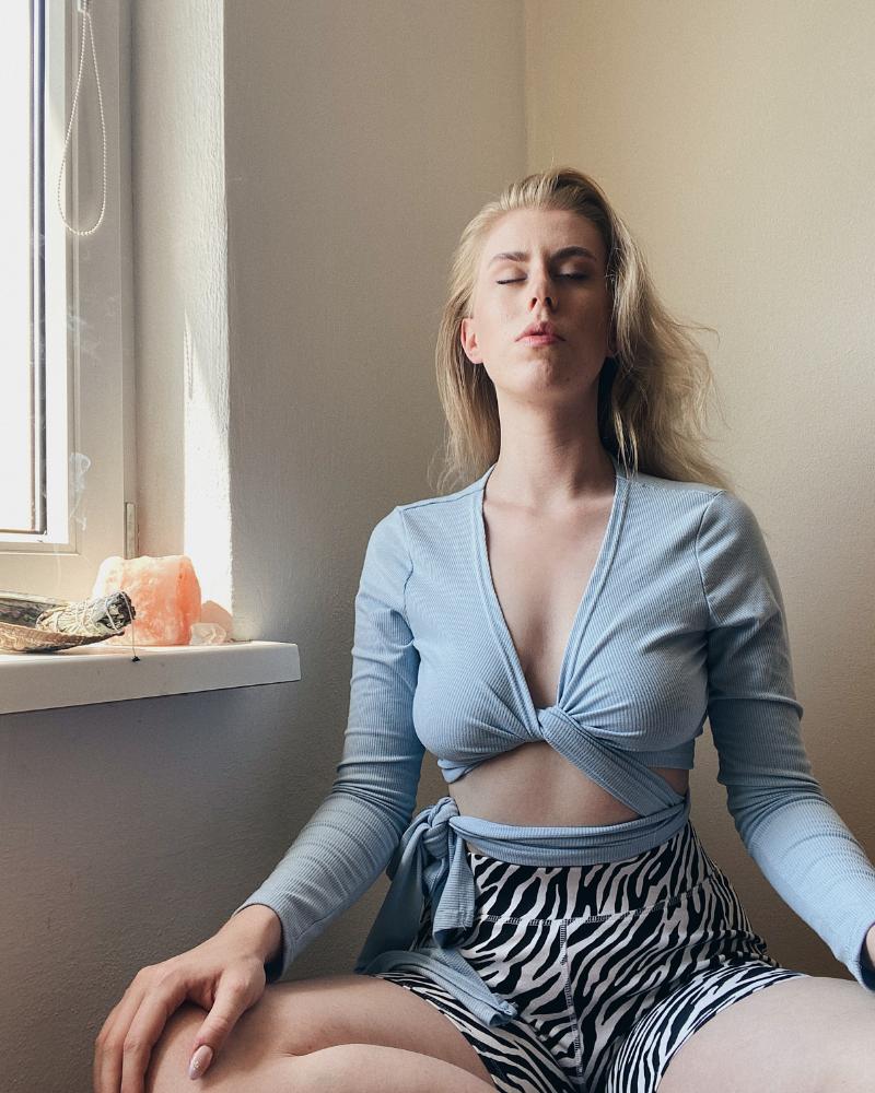 meditácia ako začať meditovať prečo meditovať benefity meditovania