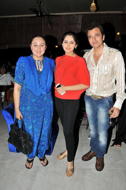 Shaheen,Sayesha Saigal & Avinash Wadhawan